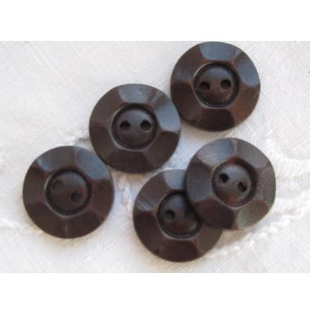 Mörkbrun snidad träknapp, 20 mm