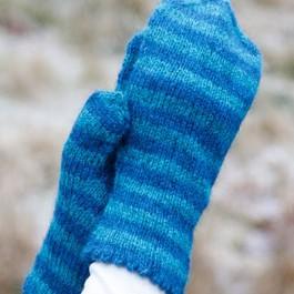 Randiga tumvantar i Norsk pelsullgarn