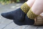 Tuss - socka med blommiga ränder